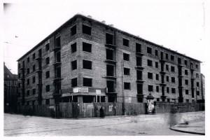 W budowie (1936)